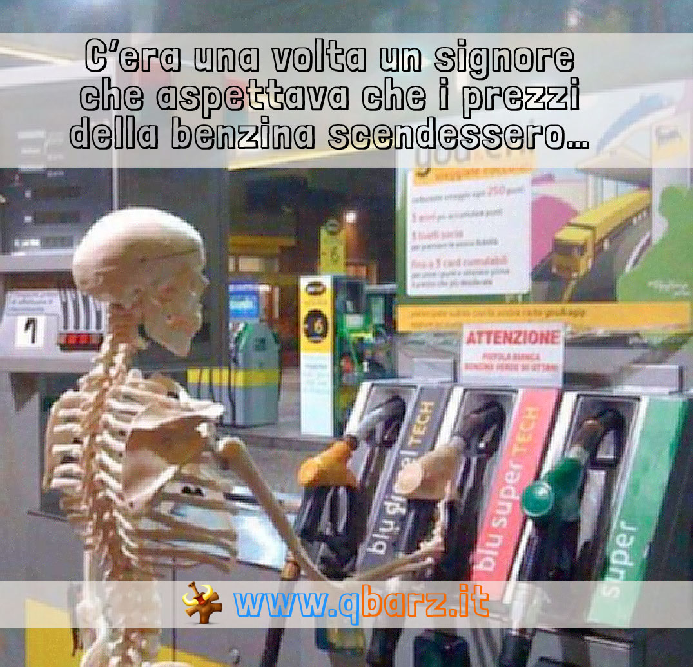 Aspettando la discesa del prezzo della benzina