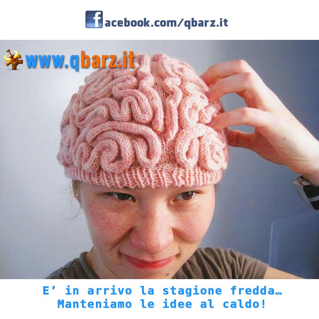 Cappello di lana a forma di cervello