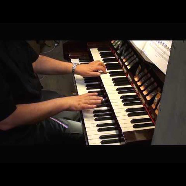 L'organista della parrocchia